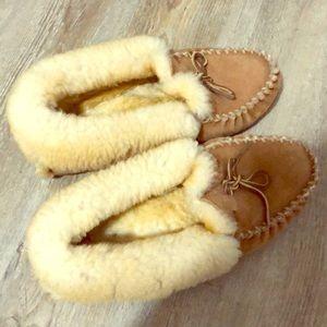 L.L Bean women's wicked good slippers
